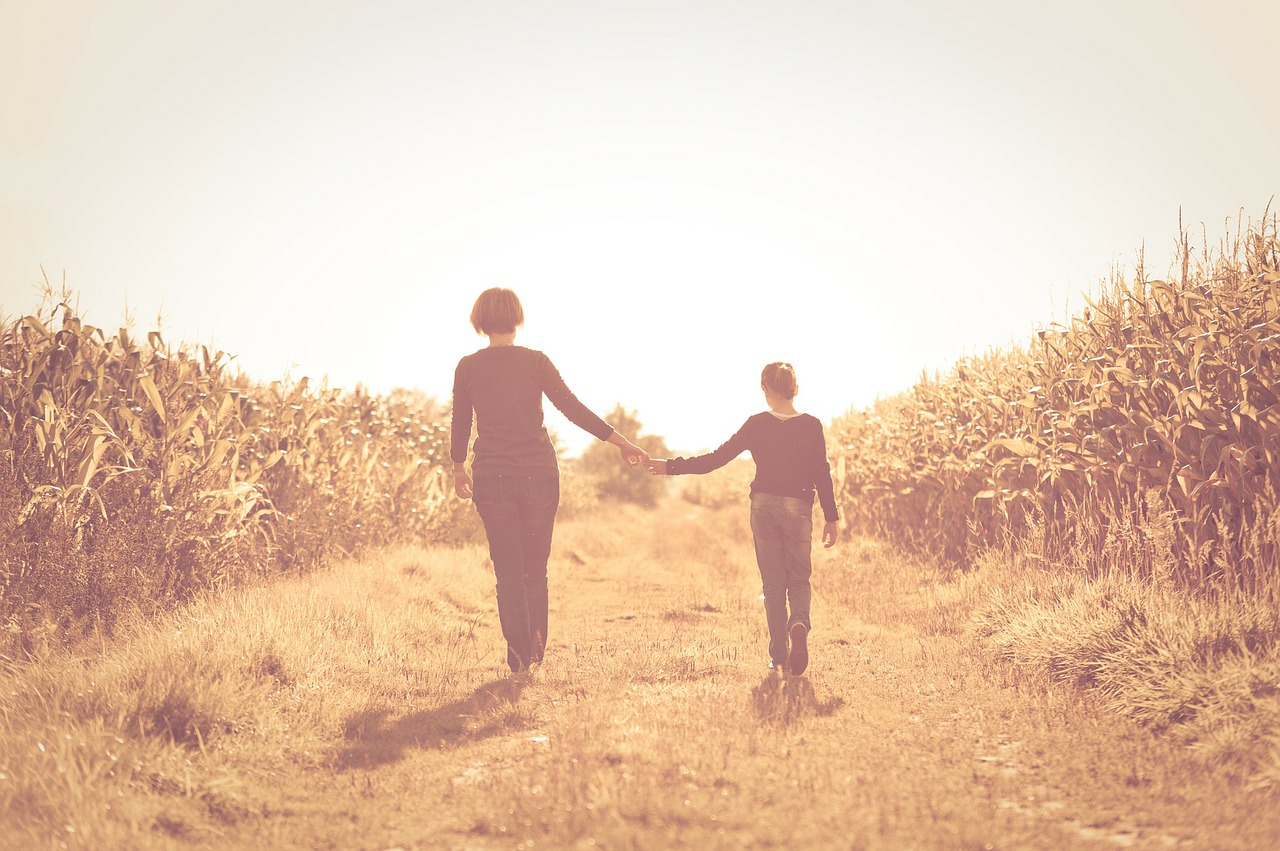 Hogyan legyen jó kapcsolatom a kiskamasz lányommal?