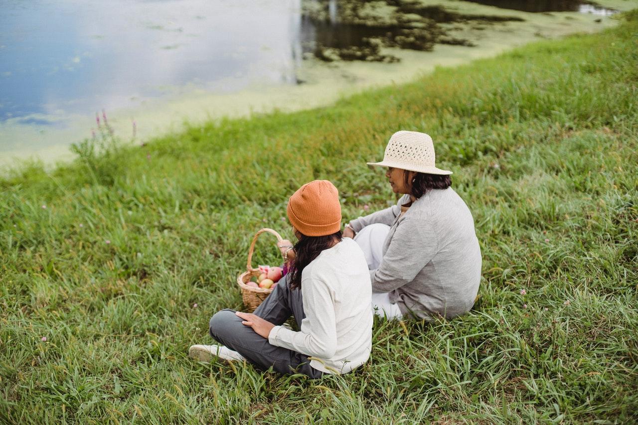 az első menzesz kapcsán legyen egy meghitt anya-lánya beszélgetést