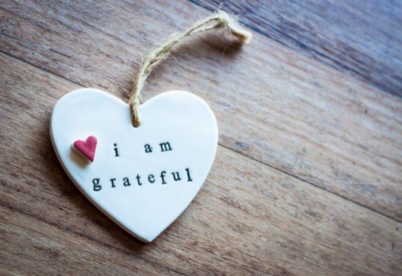 a hála növeli a jóllétet