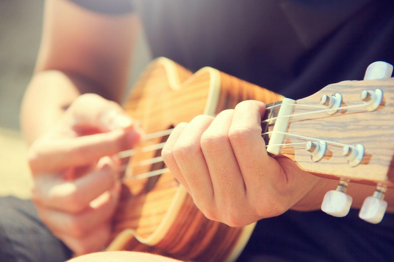 a kamaszod akár zenélni is tanulhat