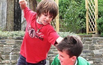 Hogyan ne essenek egymásnak a gyerekeid az összezártság miatt?