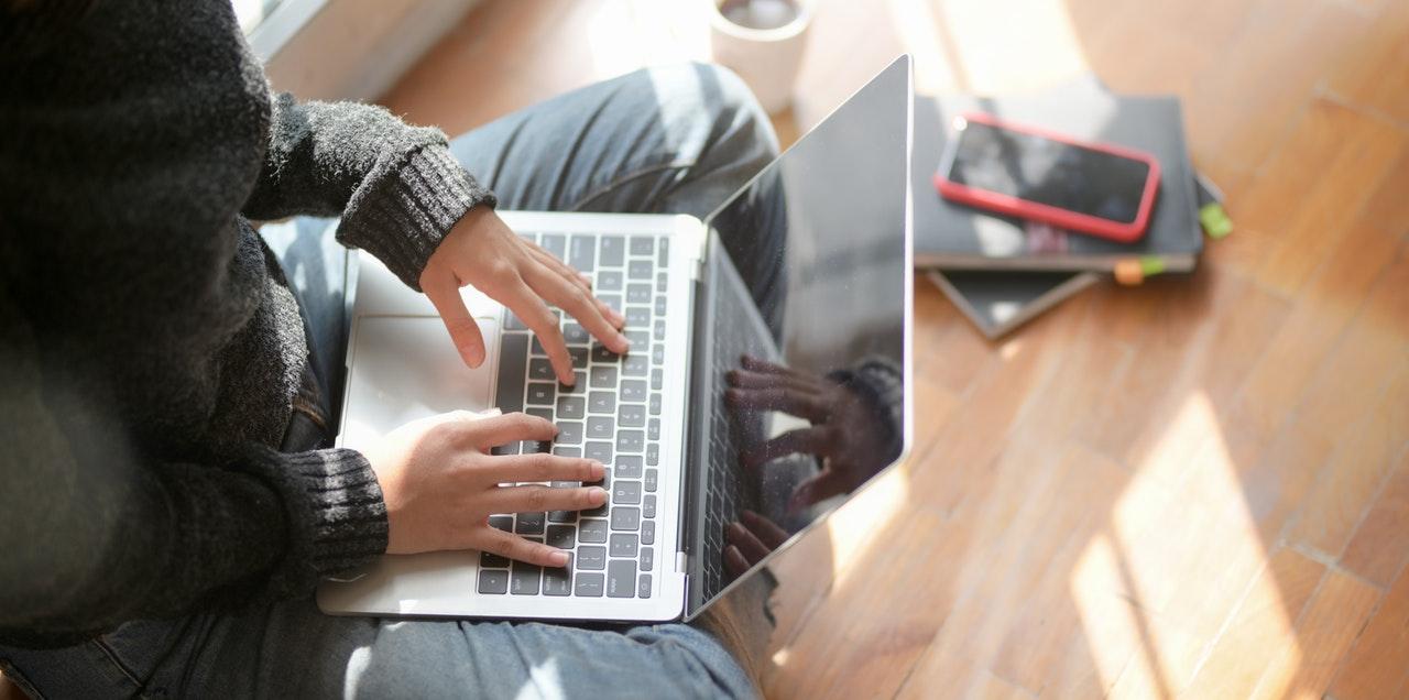 online is lehetünk kapcsolatban a karantén alatt